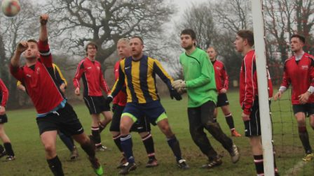 Royston Rangers pack their defence to stop Oaks