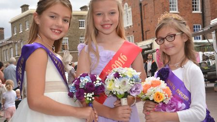 Huntingdon Carnival 2016, the Carnival Court (l-r) Molly Thompson, Isabella DuTuit, and Jessica Scot