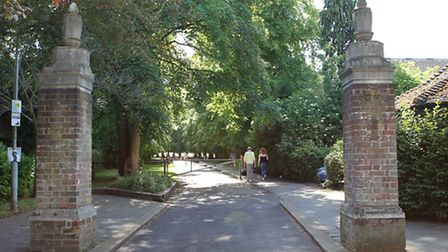 Entrance to Rothamsted park
