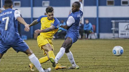 Louie Theophanous has a shot at the Margate goal. Picture: LEIGH PAGE