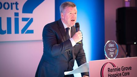 Geoff Shreeves presenting at the Rennie Grove Question of Sport dinner - photo by Andrew Price Photo
