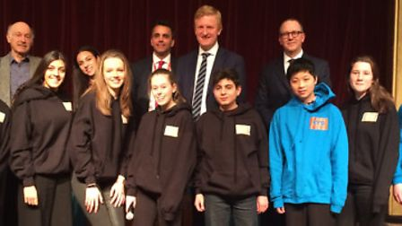 Oliver Dowden with Radlett Youth Council.