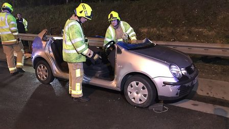 St Albans and Hemel Hempstead crews remove cars roof after RTC on the M25. Picture credit: @hemelwhi