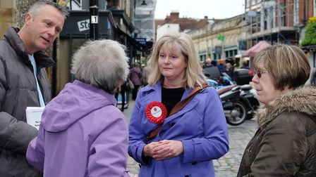St Albans MP Anne Main campaigning for 'Vote Leave' in St Albans