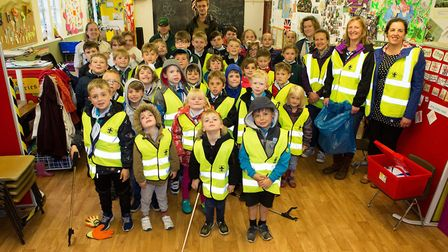 1st Somersham cubs and beavers took part in a litter pick.
