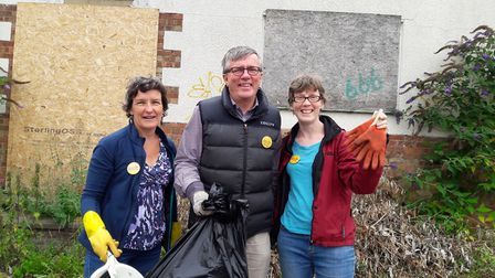 Councillor Steve Jarvis with Ruth Brown and Carol Stanier.