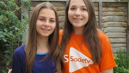 Leanne and Natalie Thompson are to walk 50k for Cancer Research UK and the MS Society. Picture: Wend