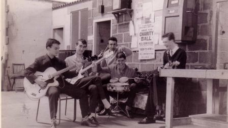 Jim Rodford with The Bluetones at the Pioneer Club in 1961