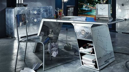 Spitfire-inspired Aviator Wing Desk from Smithers of Stamford comes in polished aluminium and featur