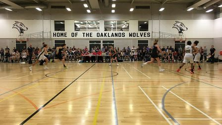 Oaklands Wolves took on Sevenoaks Suns in the WBBL in front of a big crowd.