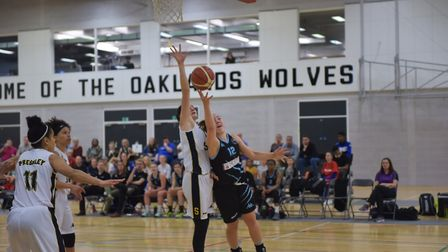 Oaklands Wolves' Kellie Ring feels the pressure as she drives to the hoop. Picture: LELLO AMETRANO