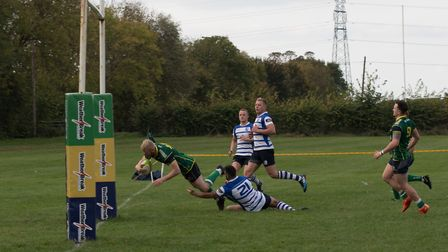 Huntingdon score a try against Kettering. Picture: www.sportspictures.online