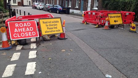 Is this diversion sign confusing?