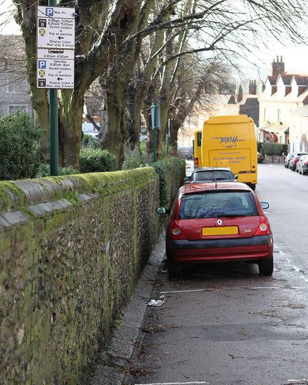 Confusing parking signs on Romeland Hill