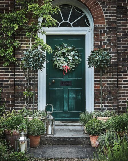 Making an entrance: with a Luxury Cornish Wreath, of Ivy, Eucalyptus Ruscus and Pine (95) Bay Tree (