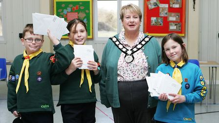 Scouting Card Delivery - The Mayor of Harpenden with Daniel Antcliff, 10, Rosie Antcliff, 10, and La