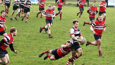 Harpenden's quick break leaves players all over the park. Picture: MELANIE MCLOUGHLIN