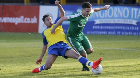 Zane Banton stretches the Hemel defence. Picture: LEIGH PAGE