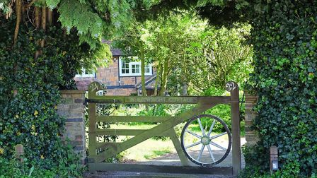 Kensworth is the quintessential English village