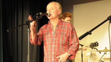 Jim Rodford (of The Zombies) joins The Runaway Boys on stage