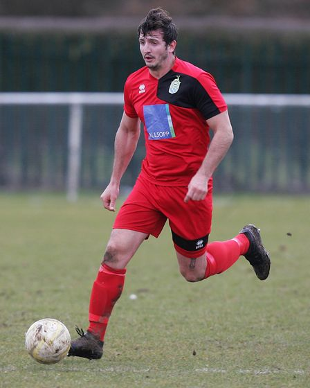 London Colney FC V Harpenden Town - Mike Davies in action for Harpenden Town.Picture: Karyn Haddo