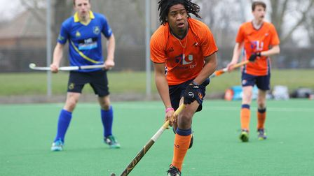 Hitchin V St Albans Hockey - Taiq Marlano in action for St Albans.Picture: Karyn Haddon
