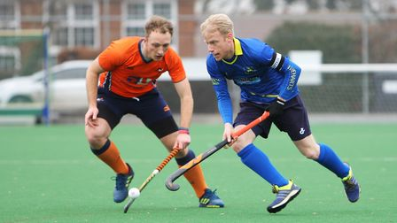 Hitchin V St Albans Hockey - Richard Julien in action for Hitchin.Picture: Karyn Haddon