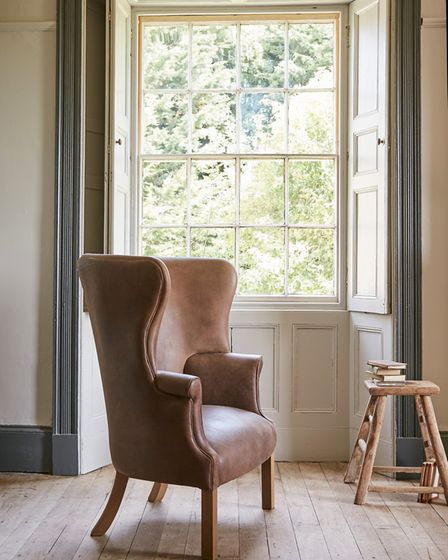 The Porter''s Chair is based on -– that''s right - a traditional porter's chair. It features solid w