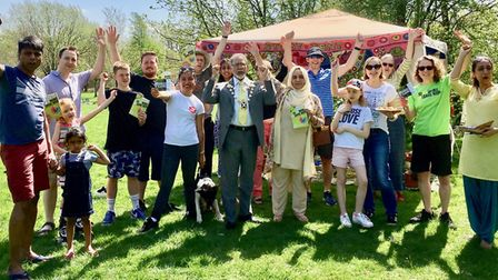 The #plasticfree Community Picnic for the launch of Plastic Free St Albans - in Highfield Park - att