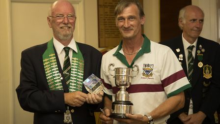 Robert Jepson skipped his rink to success in Hunts' defeat at Lincolnshire in the Adams Trophy.