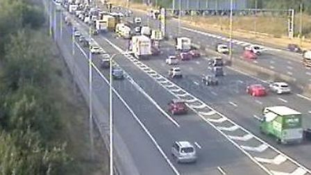 Traffic is beginning to build on the M1 following a collision near to St Albans. Picture: motorwayca