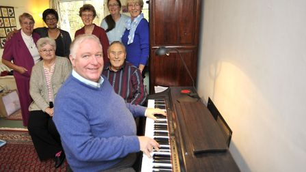 A memorial service is to be held for Micheal Dale, pictured here with singers (l-r) Rosemary Whiffen