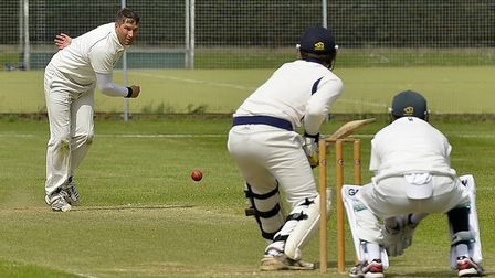 Shaun Asplin took six wickets for St Ives but still ended up on the losing side at Ufford Park.