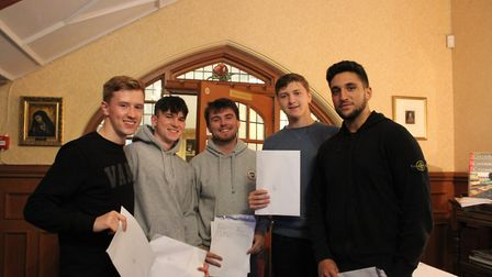 James Bromfield, William Alderton, Jamie Darvill, Nicolas Buxton and Giuseppe Cancelliere from St Co