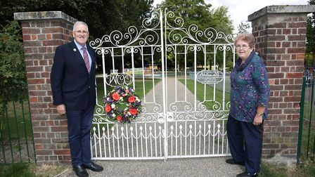 Alan Cecil and sister Auriol Davies lay a wreath to commemorate the 100th anniversary of their great