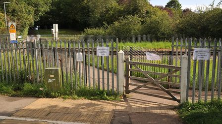 The foot crossing over Abbey Flyer Railway in Cottonmill estate.