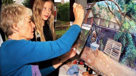 Royston artist Vivienne Machell demonstrates the finer details of how she produces her work to young