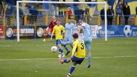 Tom Bender launches the ball into the Slough penalty area. Picture: LEIGH PAGE