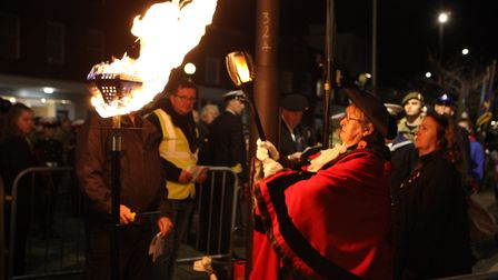 The Right Worshipful the Mayor of St Albans City and District, Councillor Rosemary Farmer lights the