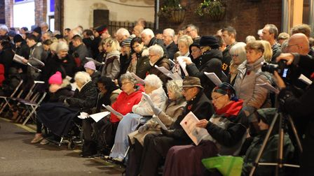Crowds watch the St Albans Remembrance Day Parade 2018. {Craig Shepheard}