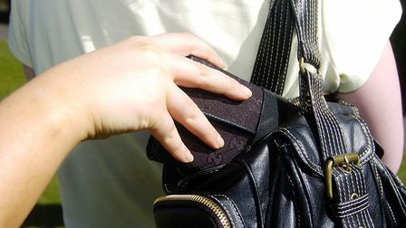 Three people arrested after purse dipping in St Albans.