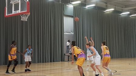 Oaklands Wolves hosted Barking Abbey London Lions in the WBBL at the Oaklands College Sportszone.