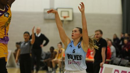 Oaklands Wolves V London Lions - Beth Sarson in action for the Oaklands Wolves.Picture: Karyn Had