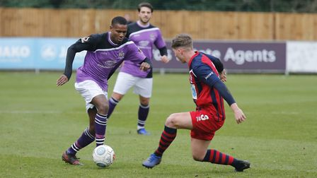 Khale Da Costa powers his way through the Hampton defence. Picture: LEIGH PAGE