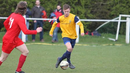 Ant Burns playing for Harpenden Town in 2014. Picture: DANNY LOO