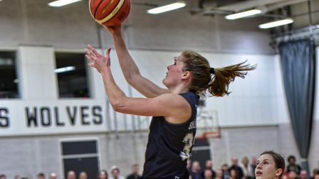 Anneke Schluter in action for Oaklands Wolves against Newcastle Eagles in the WBBL. Picture: LELLO A