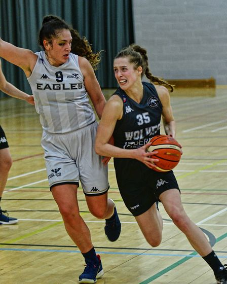 Megan Pritchard in action for Oaklands Wolves against Newcastle Eagles in the WBBL. Picture: LELLO A