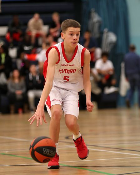 Oakland Wolves' Owain Kimber has been selected by Wales U15 basketball side.