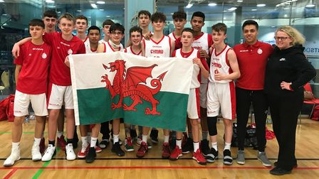 Three players from Hertfordshire including two from Oakland Wolves have been selected by Wales U15 b