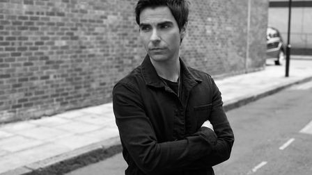 Stereophonics frontman Kelly Jones has announced a solo tour with a summer show at Cambridge Corn Ex